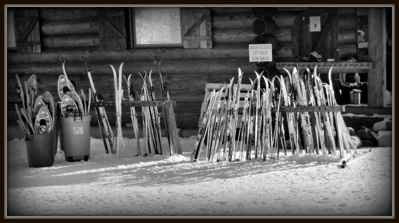 skiis-at-larch-hills-bw-2